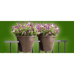 Květináč na zábradlí - šedivý